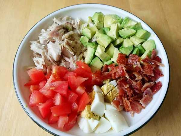 生酮食谱:火鸡鳄梨沙拉